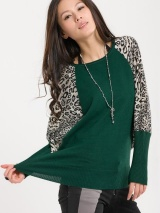 Зеленый свитер (42332509)